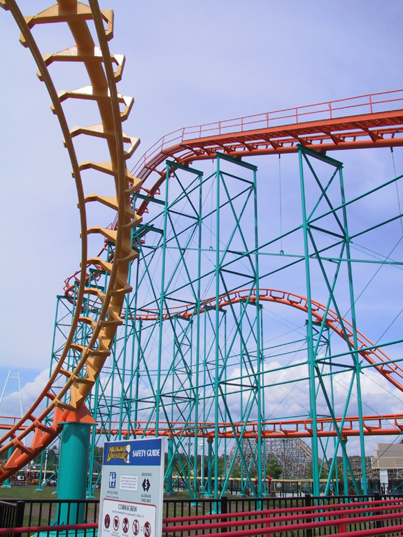 Michigan S Adventure Amp Shivering Timbers Roller Coaster