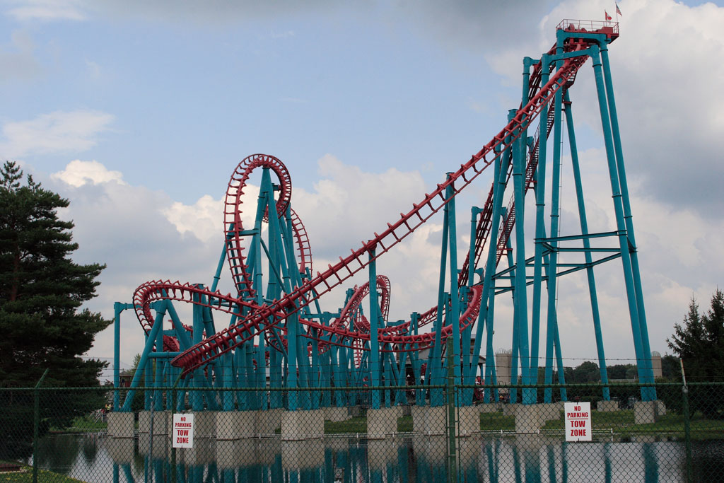 Six Flags will once again buy Darien Lake. The regional theme park company announced that it entered into an agreement to operate the resort on Tuesday.